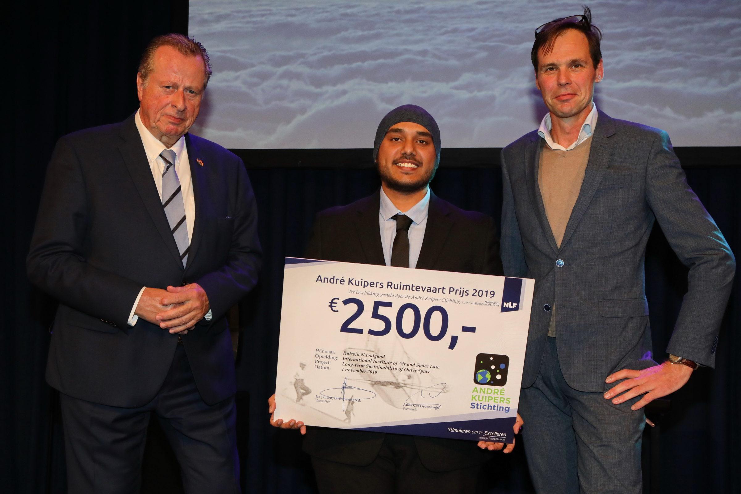 Rutwik Navalgund ontvangt André Kuipers Ruimtevaartprijs